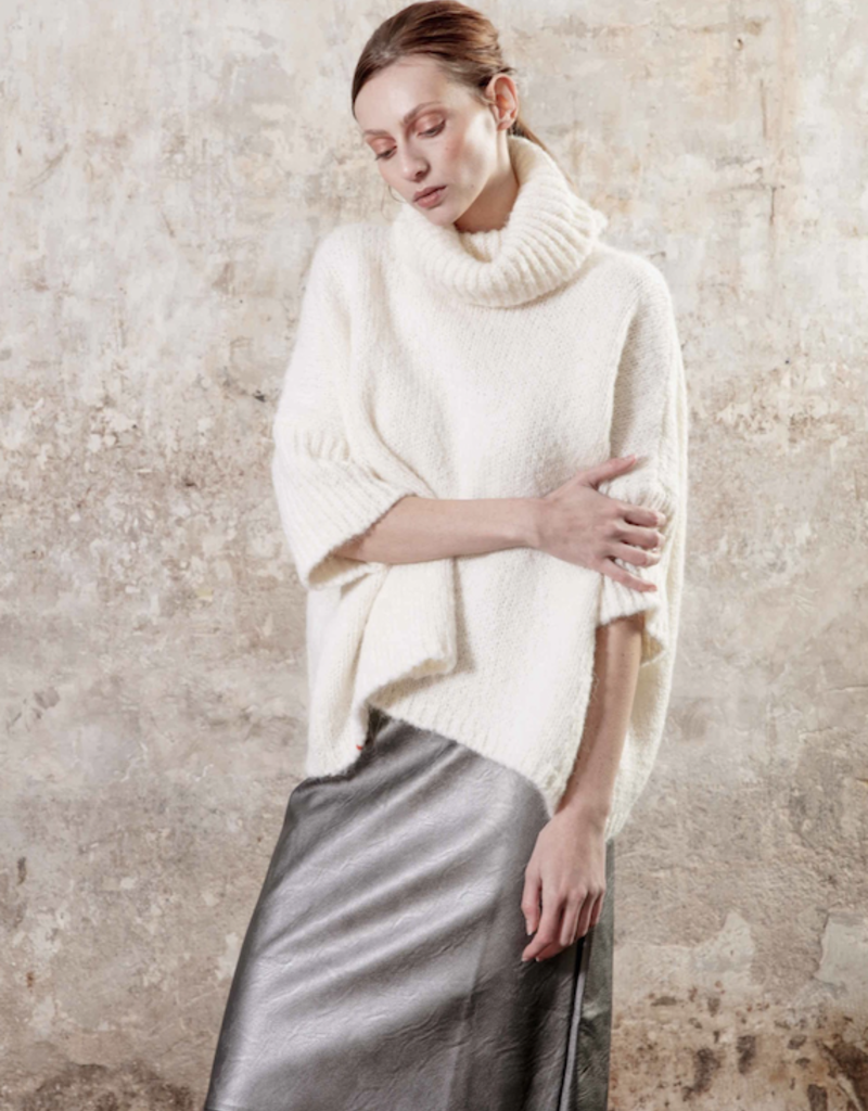 Maevy Concept Wood Cowl Neck Pullover