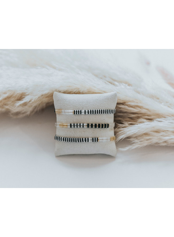Stretchy Beaded Stripes Bracelet - Black, White, Clear