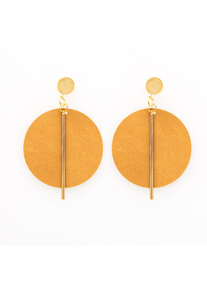 Leather Circle w/ Brass Stick Earrings Brown