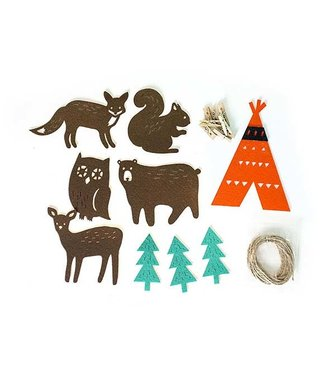 FOREST ANIMAL GARLAND