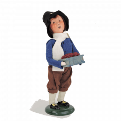 Byer's Choice Byes Carolers Pilgrim Boy 2016