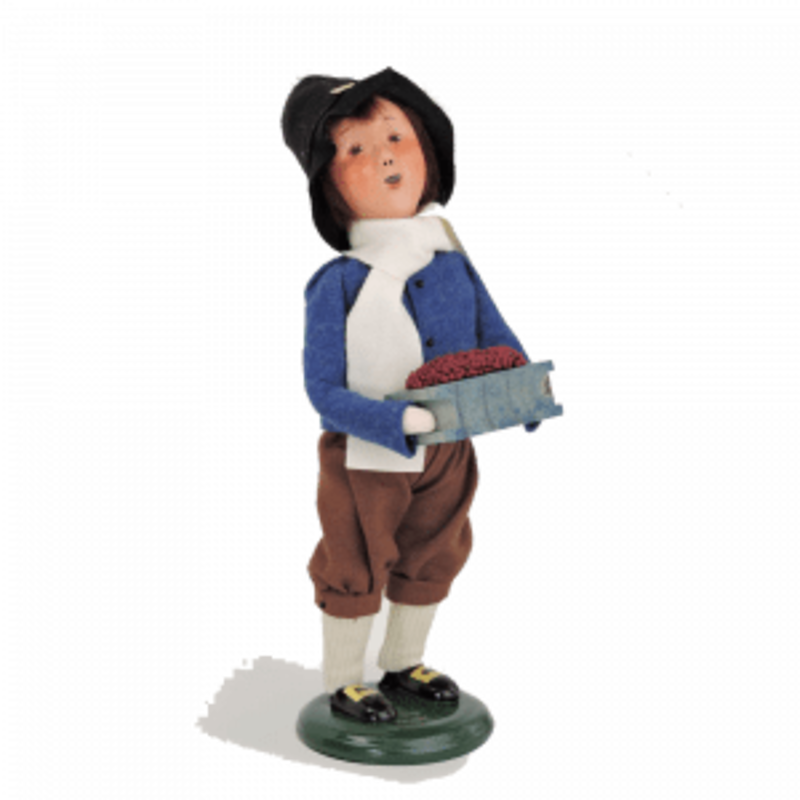Byer's Choice Byes Carolers Pilgrim Boy 2016