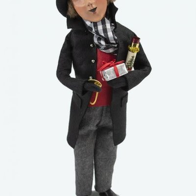 Byers Choice Byers Carolers Quinn Man with Package