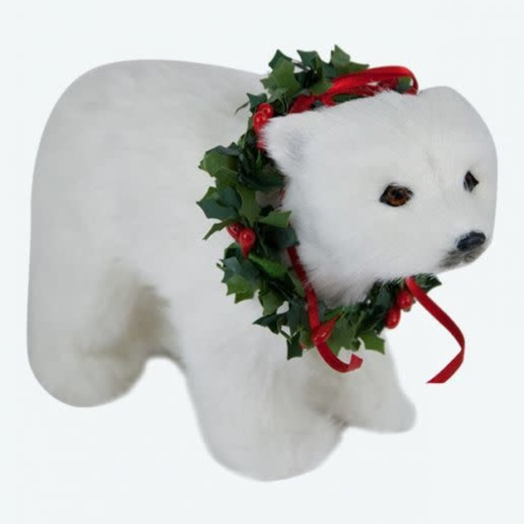 Byers Choice Byers Carolers Polar Bear