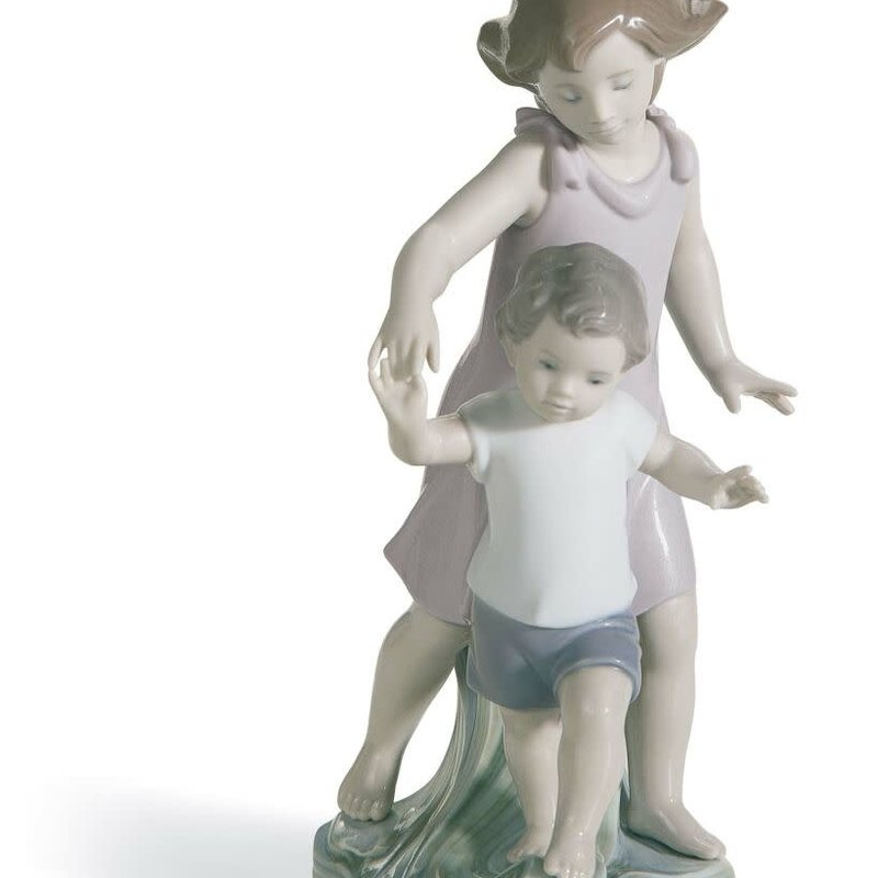 LLADRO Let Me Help You