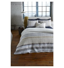 TCE Riccardo Quilt With Shams