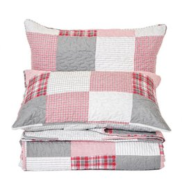 TCE Lodge Quilt With Shams