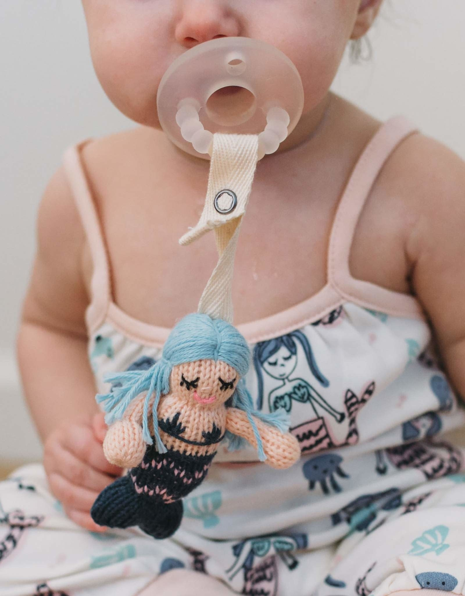 Finn + Emma Pacifier Holder Penelope the Mermaid