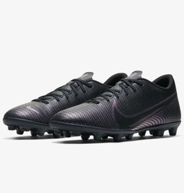 Nike Mercurial Vapor 13 Club MG Soccer Cleat Black