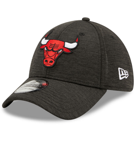 New Era Men's 39THIRTY Shadow B3 Hat Chicago Bulls Black