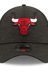 New Era Men's 39THIRTY Shadow B3 Stretch Fit Hat Chicago Bulls Black