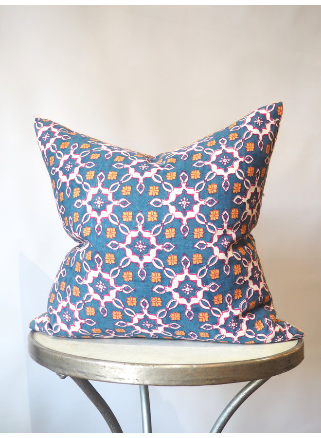 MINDRA DECORATIVE PILLOW
