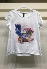 Bag and flowers tee