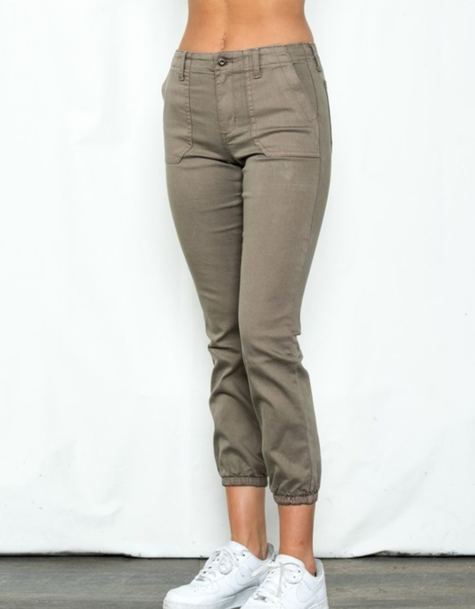 Mid rise twill jogger