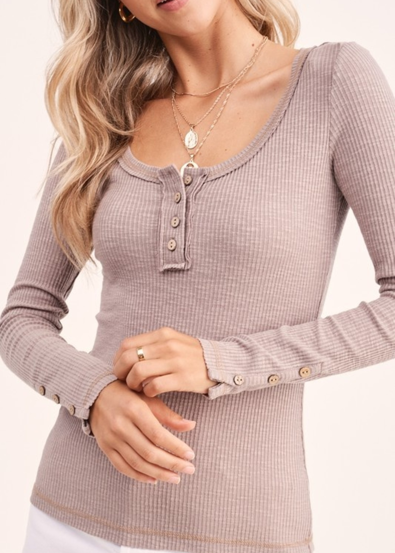 Button sleeve henley