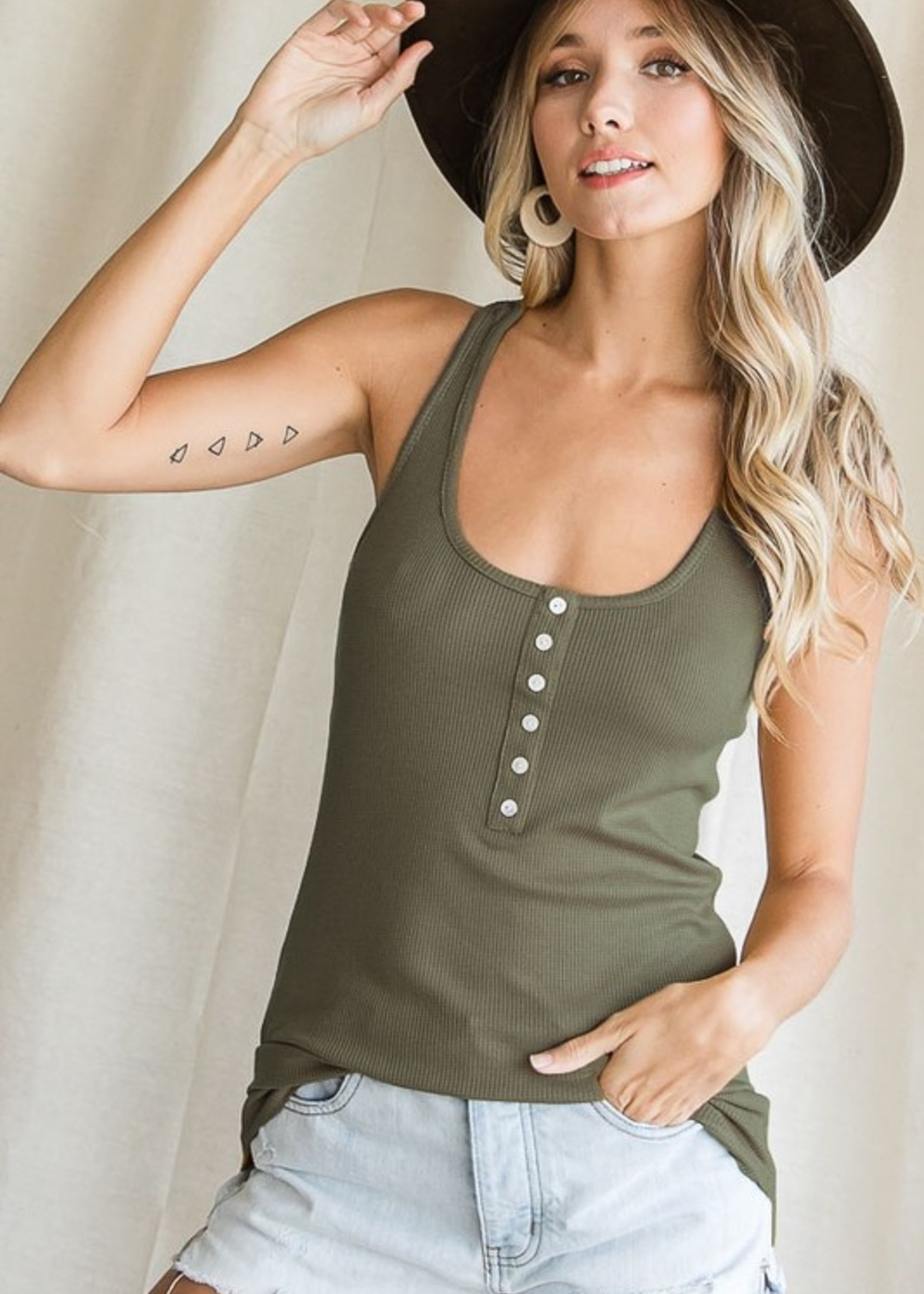 Knit tank with buttons