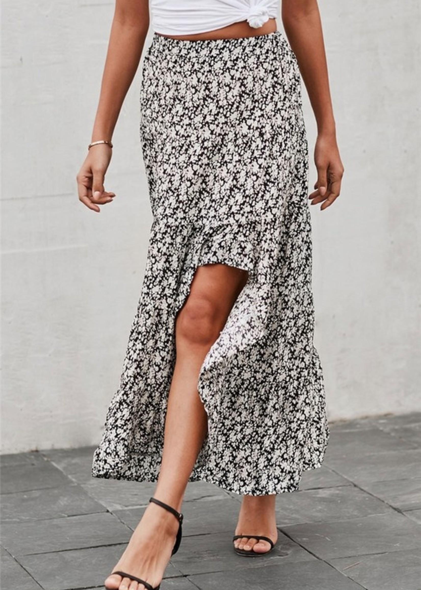 Slit ruffle print skirt