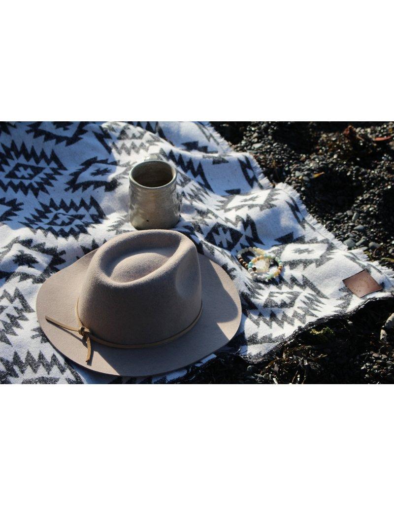 Modest Maverick Tofino Beach Blanket - CLASSIC BLACK + WHITE