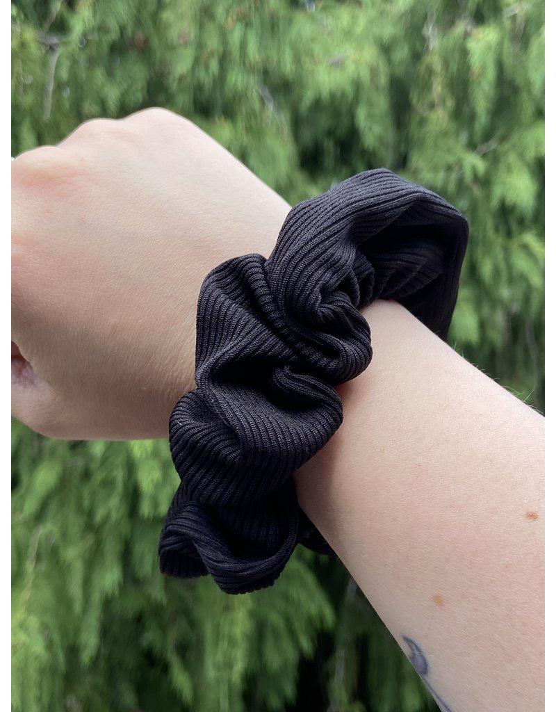 Van Isle Hairstyle Zipper Scrunchie-- Onyx