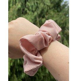 Van Isle Hairstyle Zipper Scrunchie- Blush