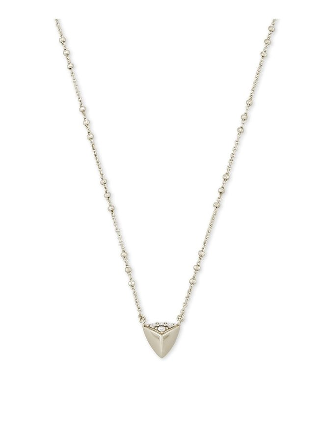 Perry Short Pendant Necklace