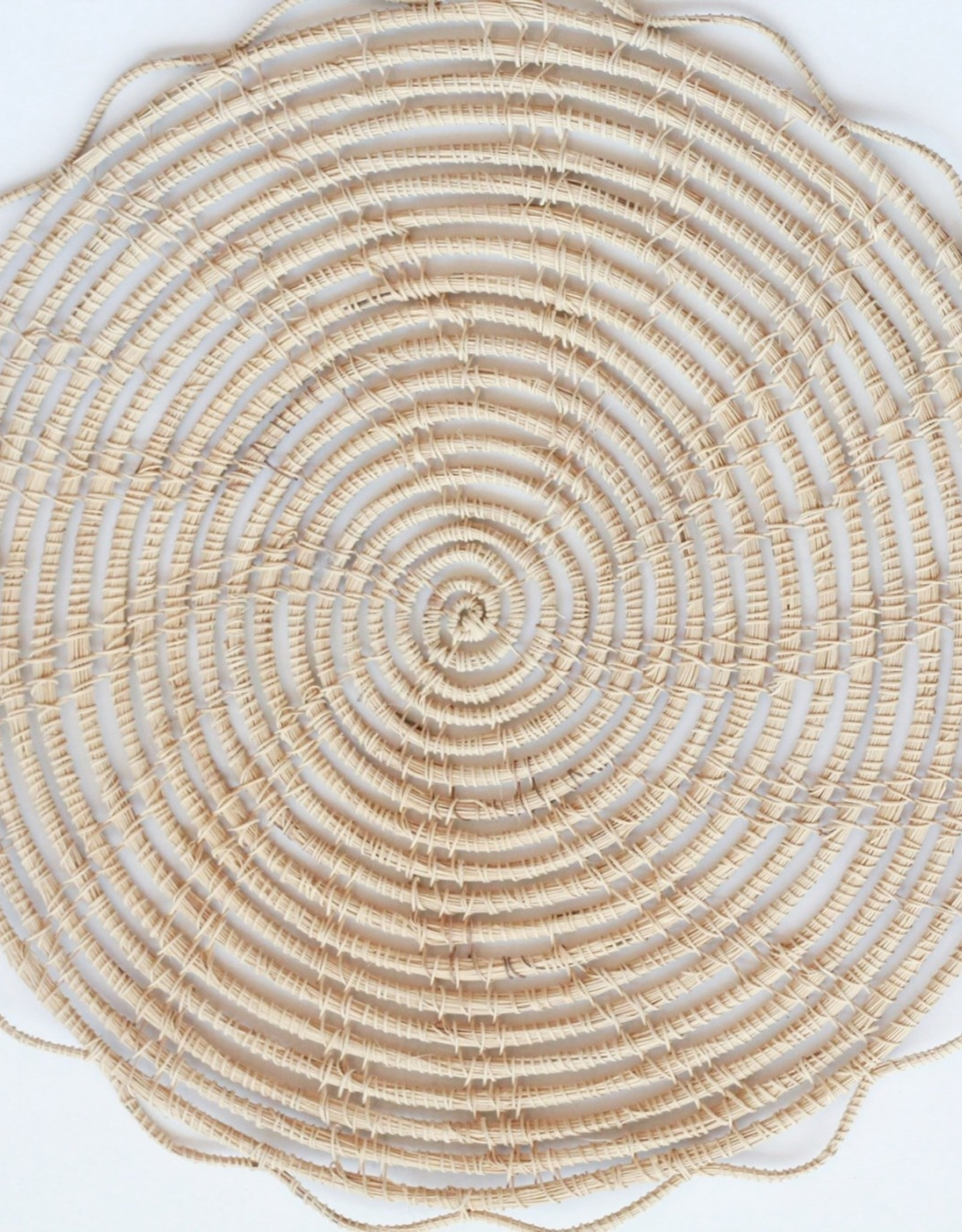 """13"""" Round Natural Woven Palm Placemat"""