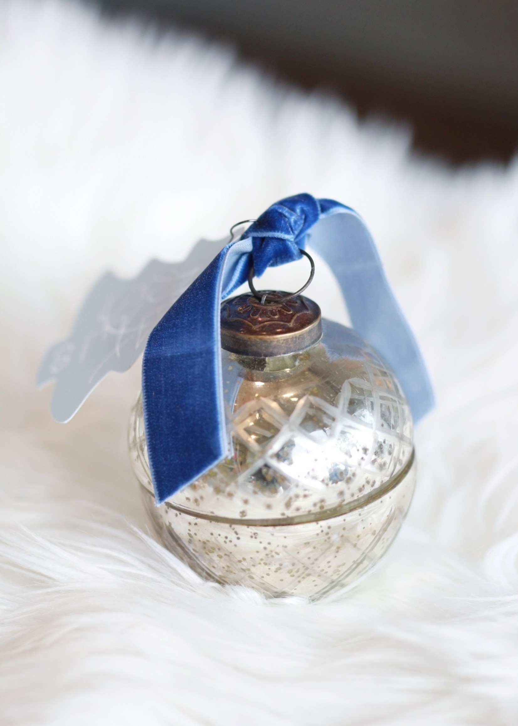 Retro Ornament Candle