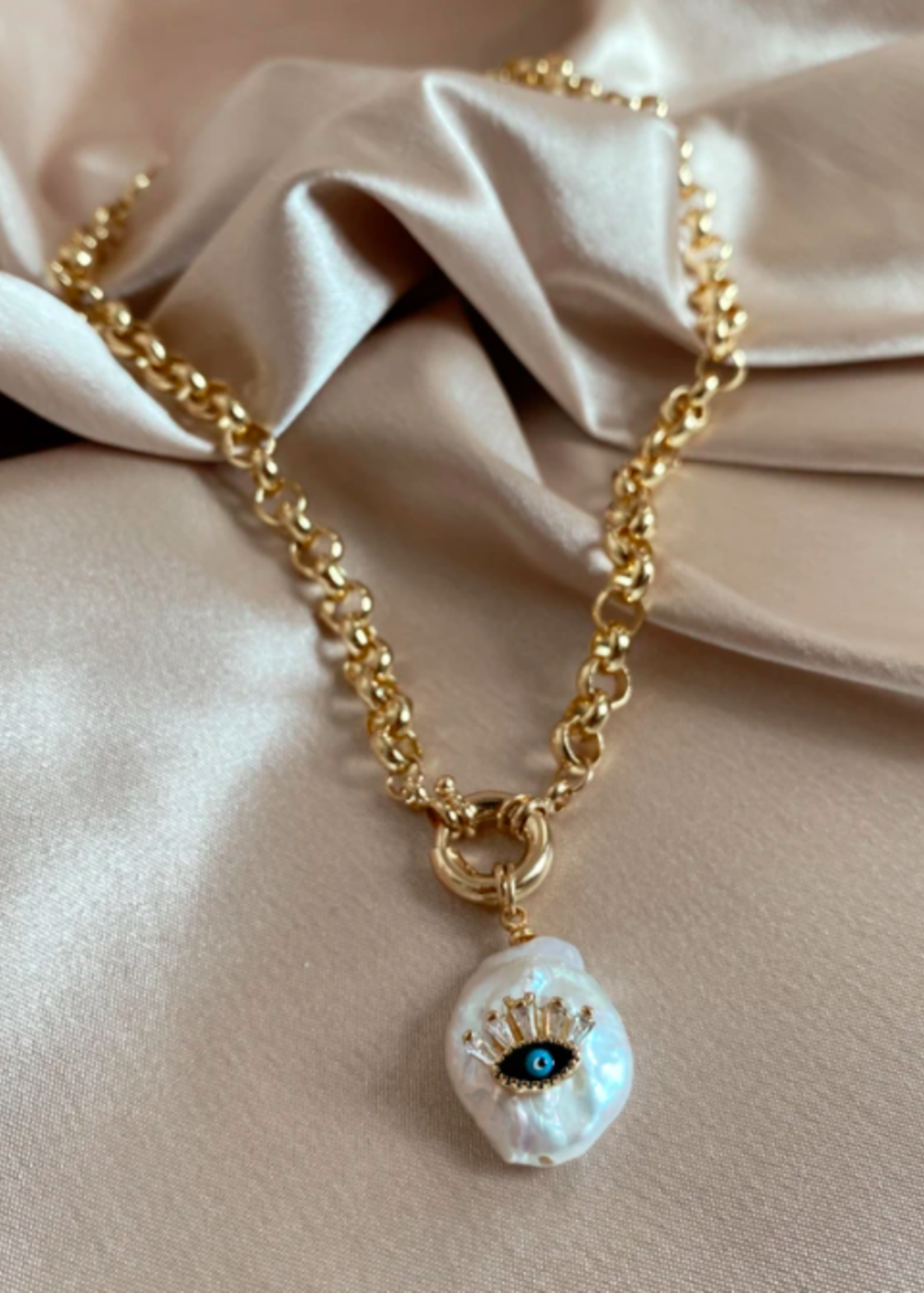 Bofemme Spellbound Pearl Necklace