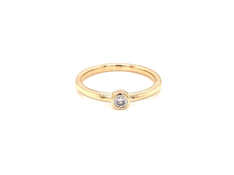 On The Edge Delicate Brilliant 3mm Shaped 0.10ct Diamond Stackable Ring 10kty