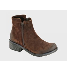 NAOT WOMEN'S WANDER-BRUSHED SEAL BROWN SUEDE