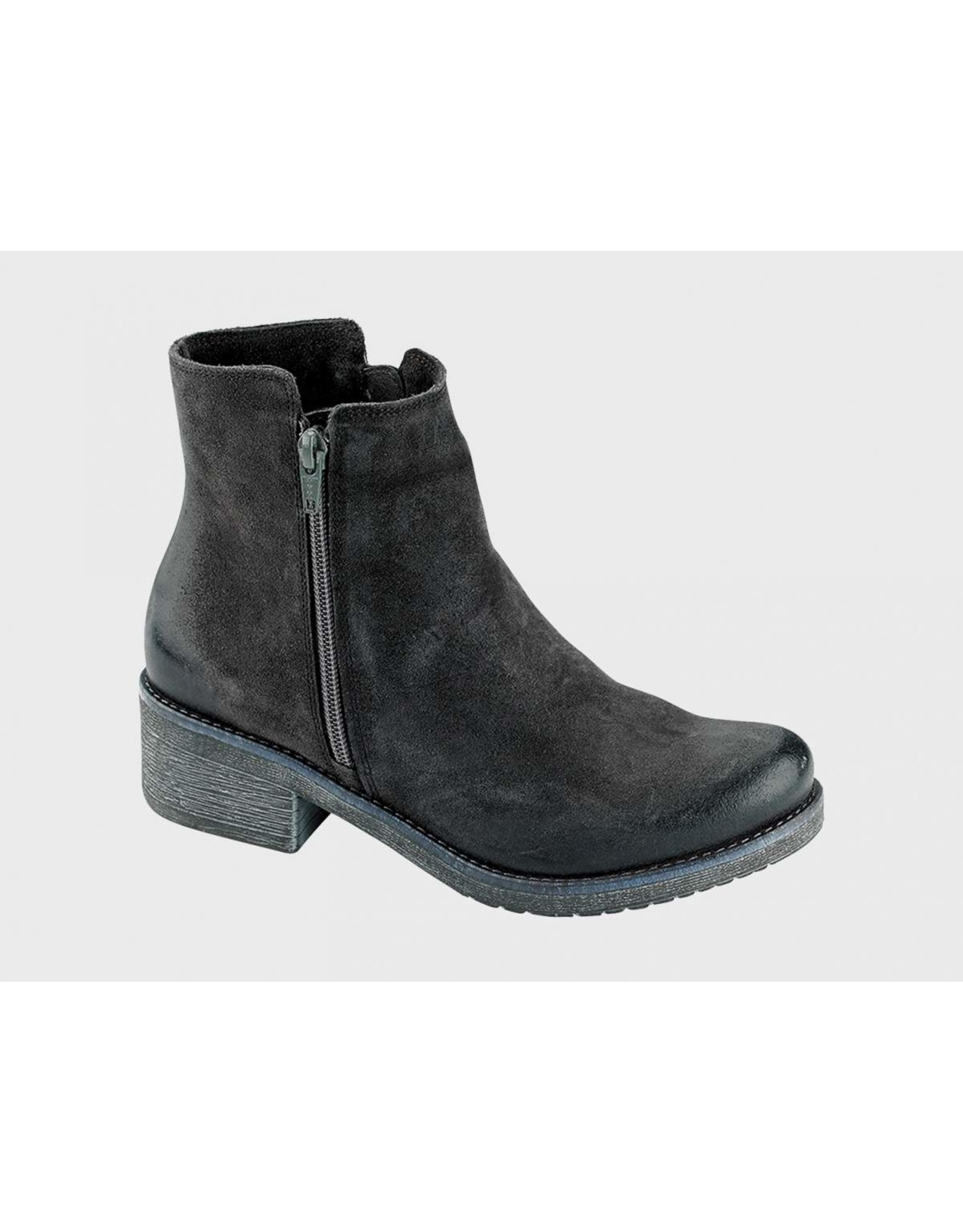NAOT WOMEN'S WANDER-BRUSHED OILY MIDNIGHT SUEDE
