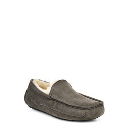 UGG MEN'S ASCOT SLIPPER-CHARCOAL