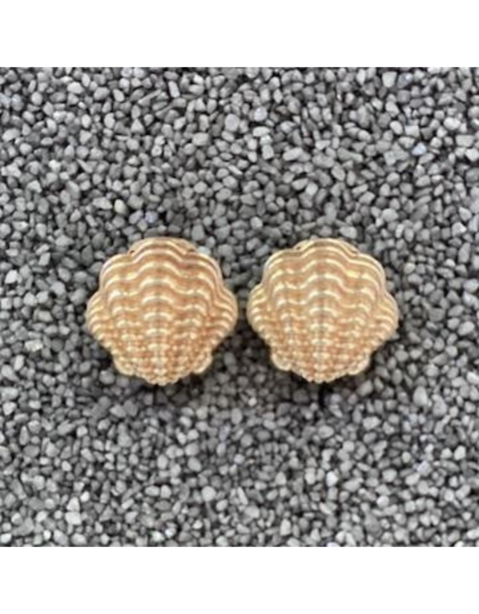 VC Italy Oyster Shells Clip Earrings