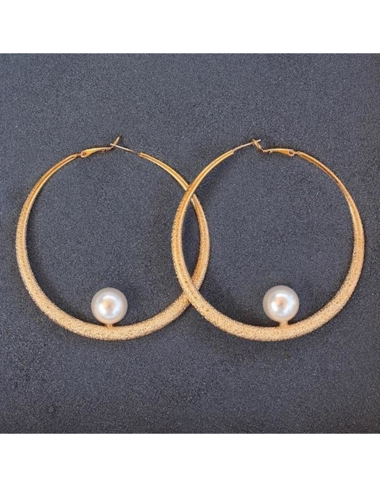 Philippe Ferrandis VCExclusives: Gold Loop Pearl Pierced