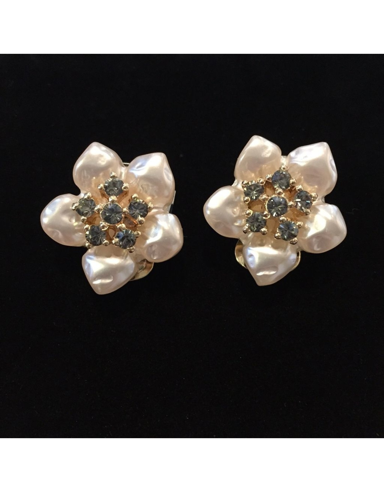 VC Italy VCExclusives: Pearl and Crystal Star Flowers