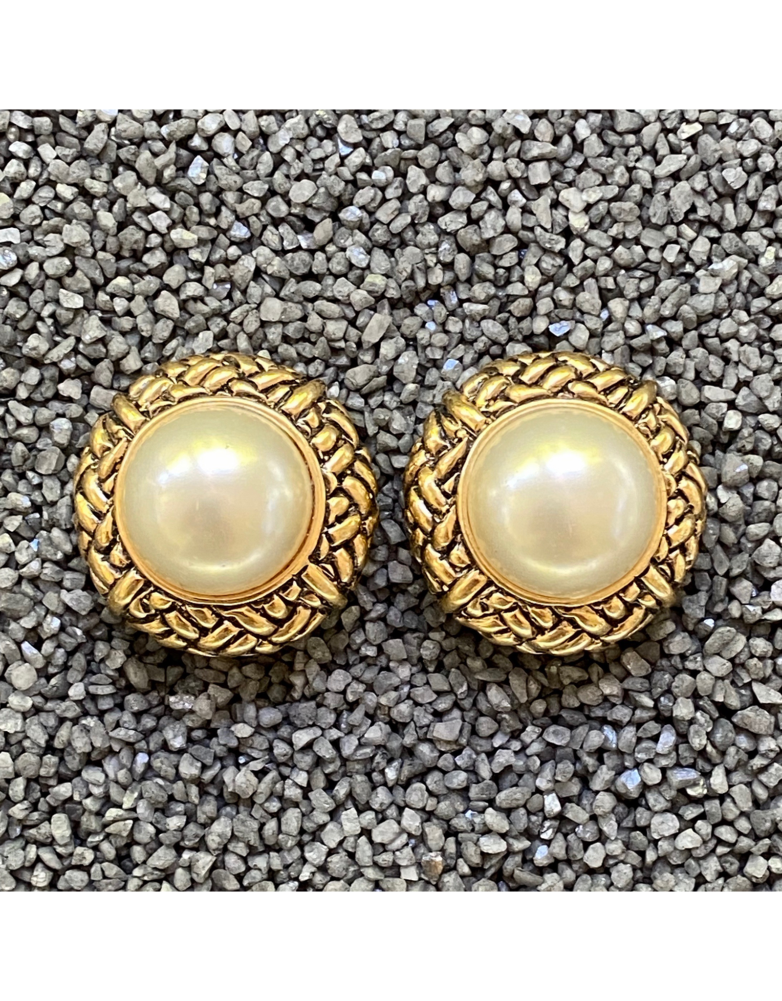 VC Italy VCExclusives: Pearls in Gold Weaves