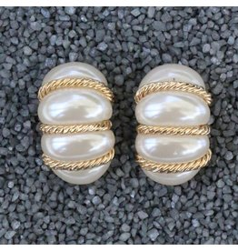 VC Italy Pearl Bundles w/ Thin Gold Ropes Clip Earring