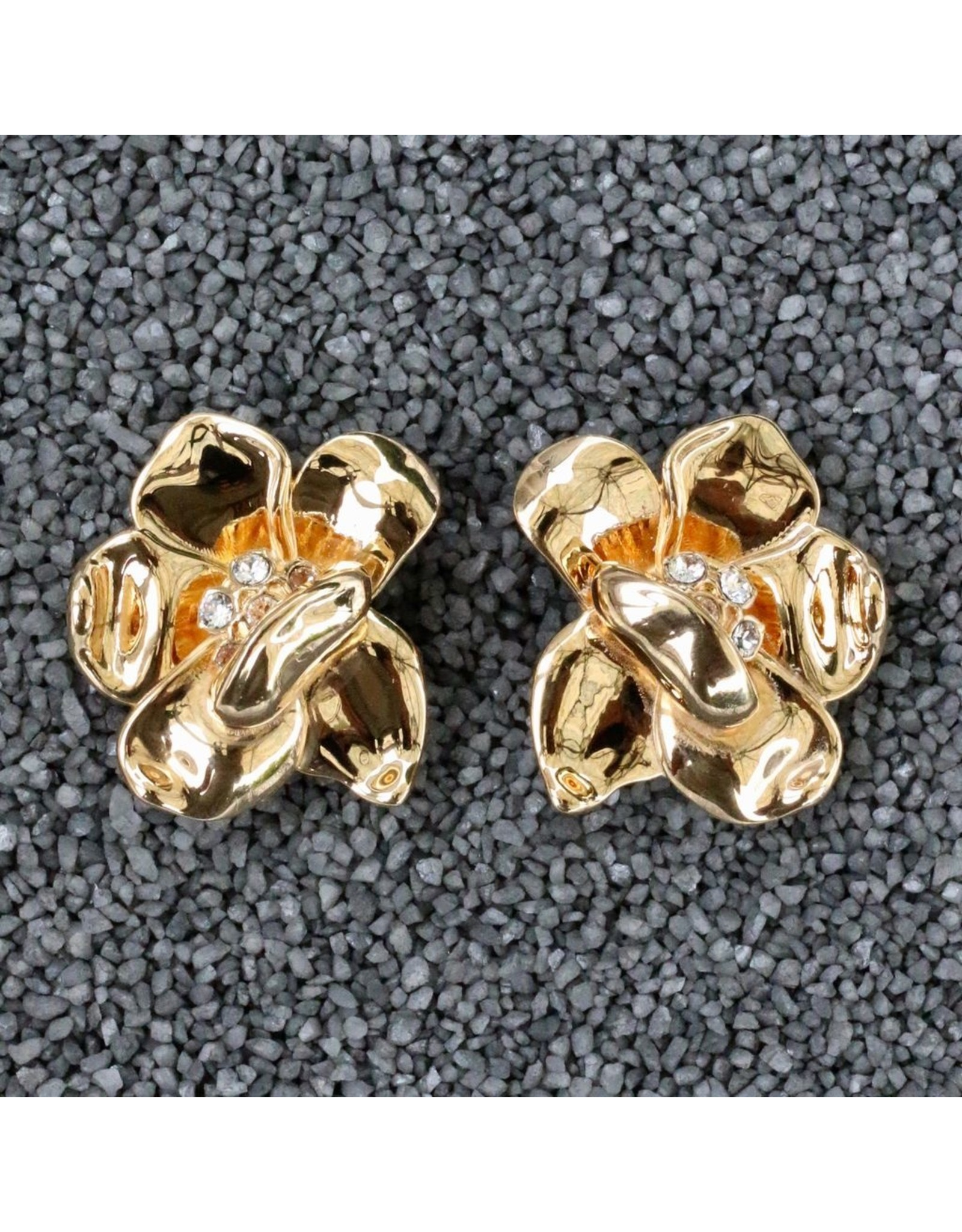 VC Italy Gold Flower Clip Earring