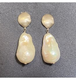 VC Exclusives Nugget Top Pearl Drop Silver Clip Earring