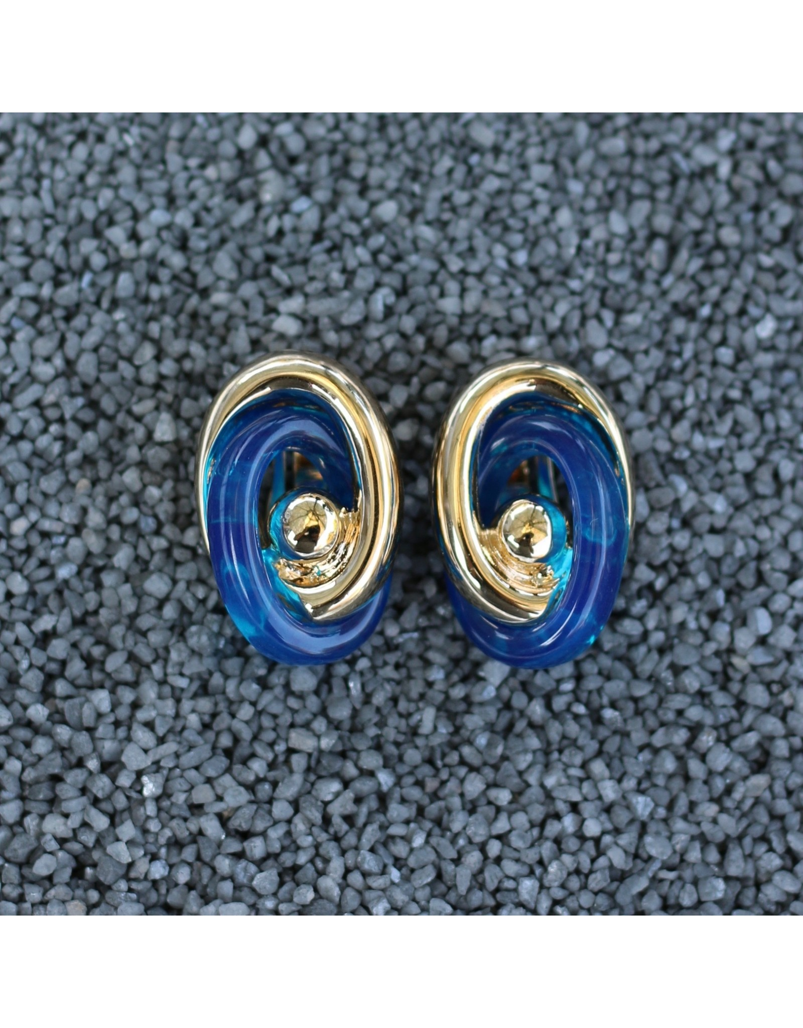 VC Italy Gold and Dark Blue Clip Earring