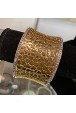 VC Italy Gold Hammered Bracelet