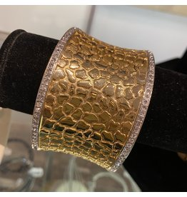 VC Italy Gold Hammered Bracelet