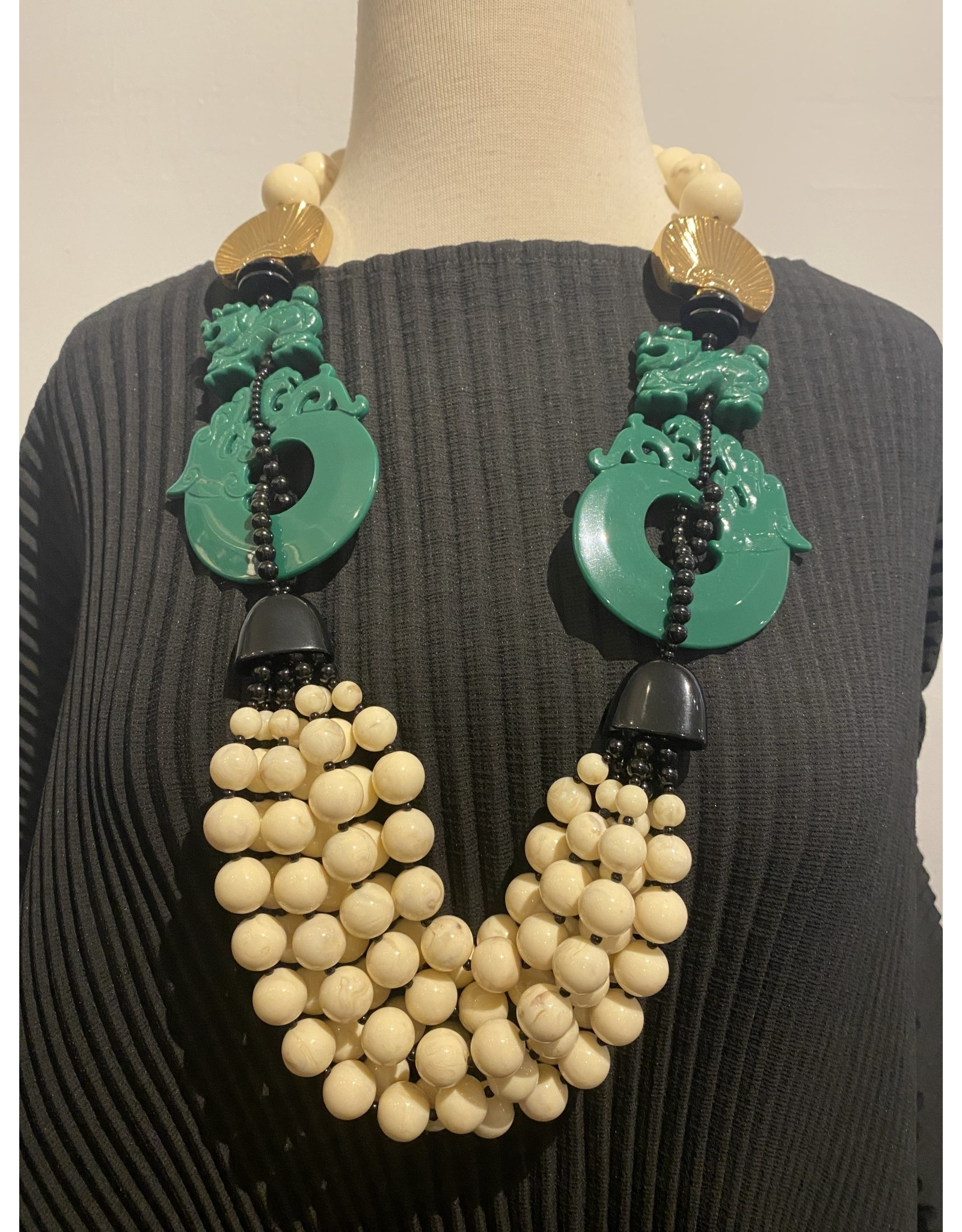 Angela Caputi ang/8858/new/oriente/wt/beads/grndrag