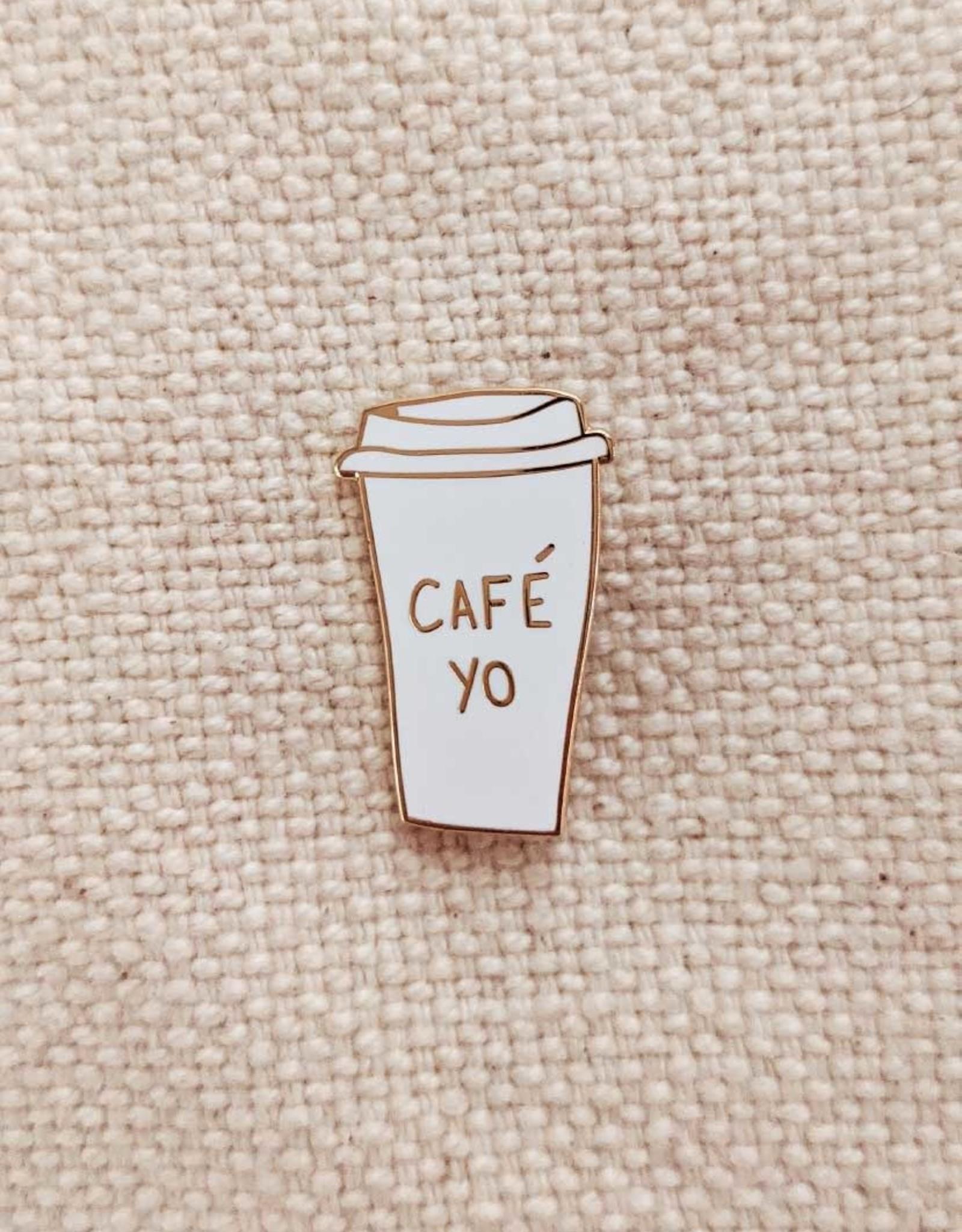 Mimi & August Épinglette Café Yo