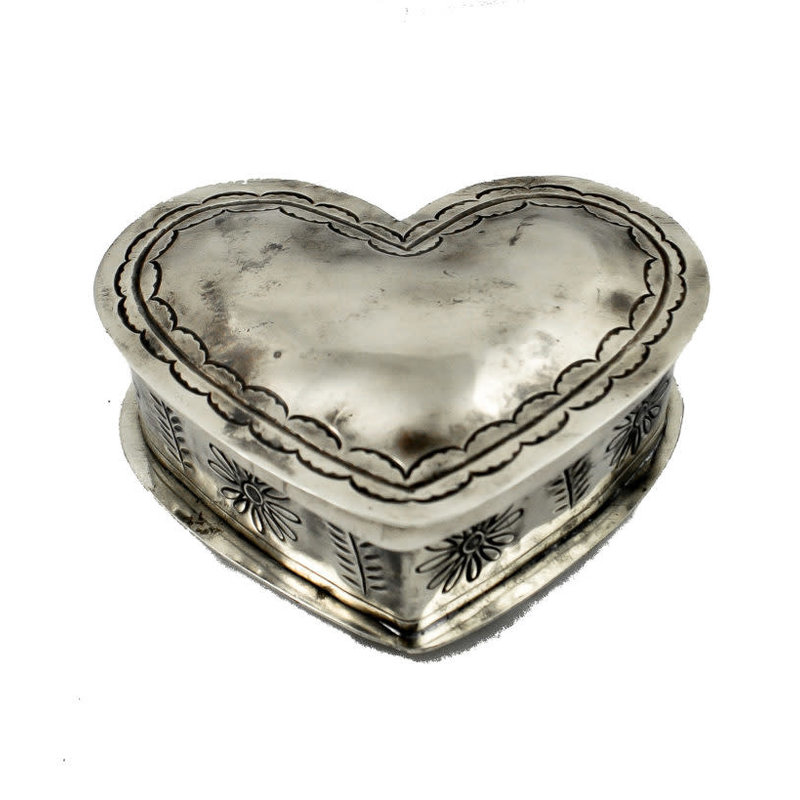 STAMPED SILVER HEART SHAPE BOX