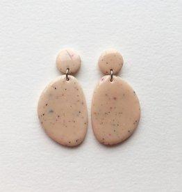CartoucheMTL Boucles d'oreilles Olive CartoucheMTL Pêche confettis