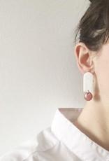 CartoucheMTL Boucles d'oreilles Odile Blanc Confettis CartoucheMTL Bleu foncé