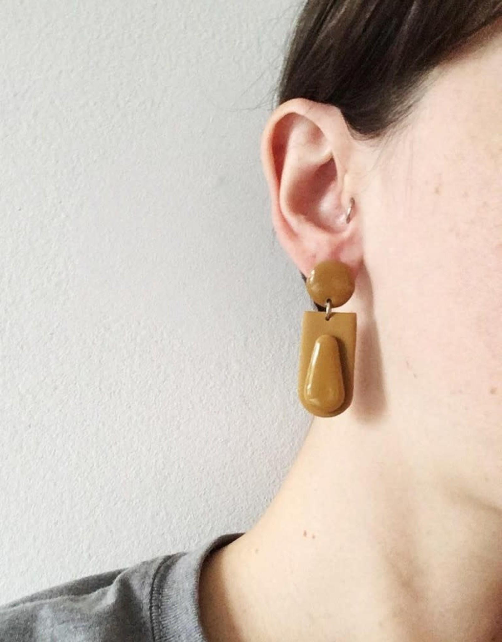 CartoucheMTL Boucles d'oreilles Joelle CartoucheMTL Moutarde