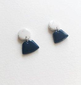 CartoucheMTL Boucles d'oreilles Émilie Blanc Confettis CartoucheMTL Bleu foncé