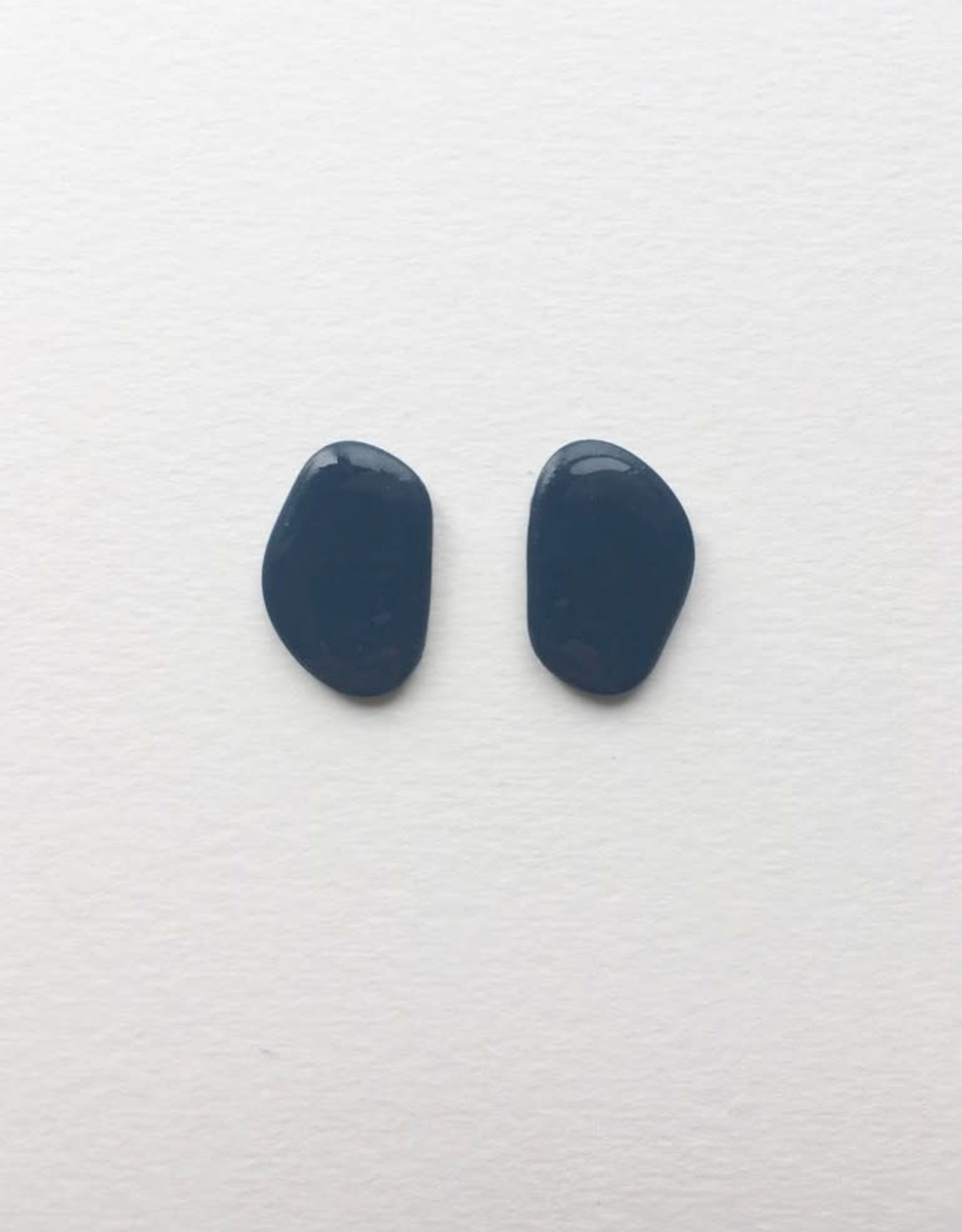 CartoucheMTL Boucles d'oreilles Inès CartoucheMTL Bleu foncé